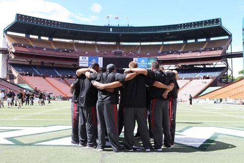 USC-Trojans-Huddle